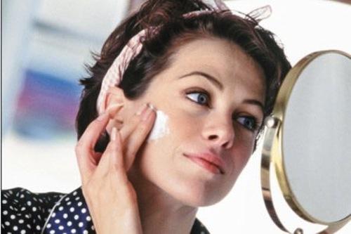 4 thói quen xấu khi điều trị sẹo mụn 2