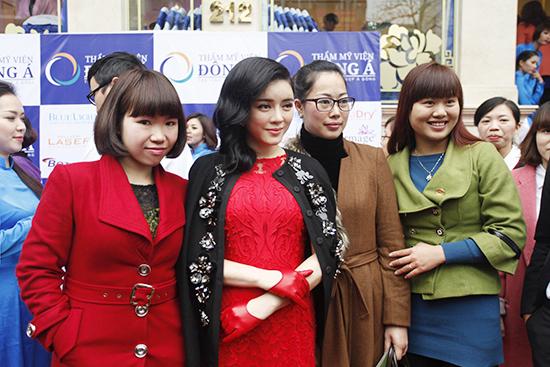 Toàn cảnh lễ khai trương TMV Đông Á 13