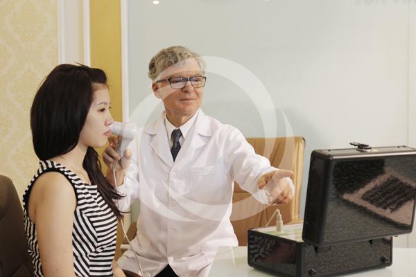 Zoom cận cảnh quy trình điều trị sẹo lõm tại TMV Đông Á 1