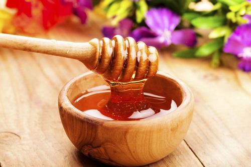 cách trị sẹo rỗ trên mặt tại nhà bằng mật ong